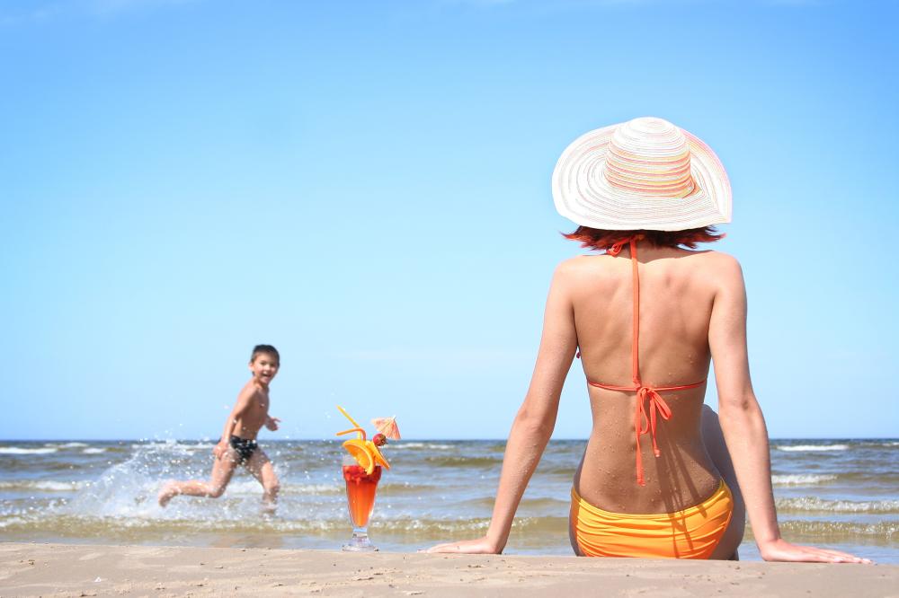 Thoải mái vui chơi mùa hè với tất phun chống nắng