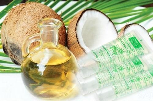 Dầu dừa Coco Secret 60ml dạng tuýp giúp bạn dễ dàng sử dụng dầu dừa trong ngày đông