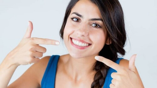 Tự tin khoe nụ cười trắng sáng, hơi thở thơm tho cùng nước súc miệng Propolinse