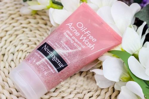 Sữa rửa mặt Neutrogena tẩy sạch mụn cho bạn làn da sáng đẹp, mịn màng